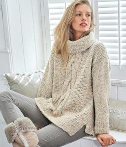 свитер оверсайз с центральной косой